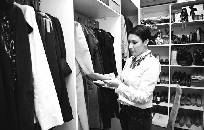 Разбор гардероба: 10 практических советов по наведению порядка в вещах